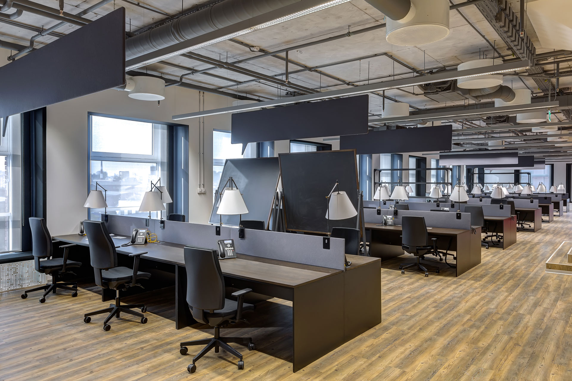 Office layout employee mood why are the two connected for Factory oficina